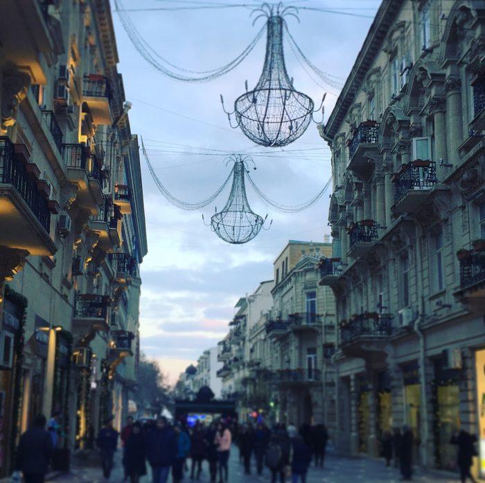 市街地のレストラン Firuze Restaurant @ アゼルバイジャン
