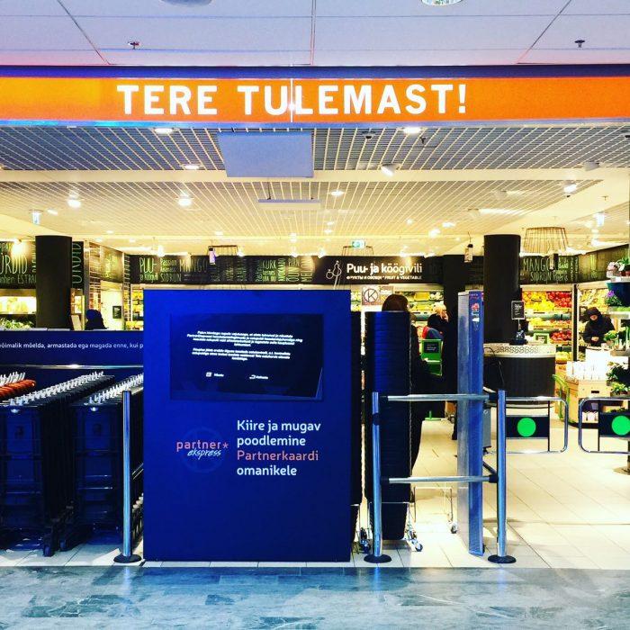 タリンの高級スーパー Kaubamaja Toidumaailm