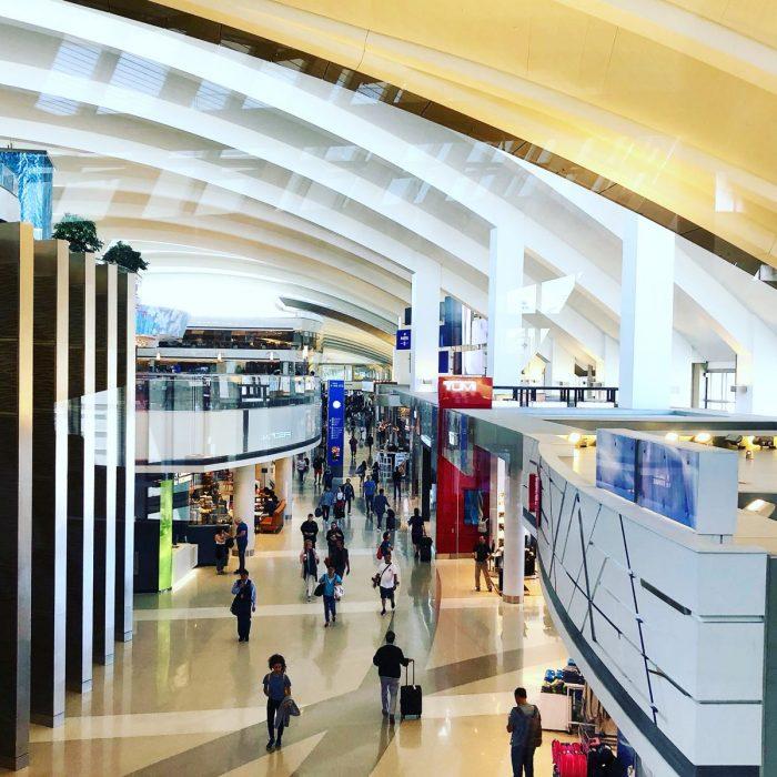 ロサンザルス国際空港のAPC(自動入国審査端末機)