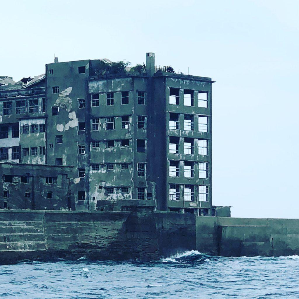 天気次第の軍艦島クルーズ